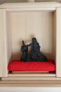 斎館に祀られている寿老神像