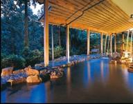 サラサラとした湯や景色にも癒される露天風呂
