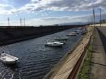 ボートが係留された水路(雲出鋼管町)
