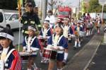 元気良くパレードし、防火を呼びかける「のべの幼年消防隊」