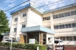 旧大井小学校に開校した「一志学園高校」