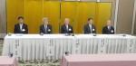 左から、田村副会頭、辻副会頭、岡本会頭、上田副会頭、小柴副会頭