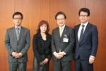 前葉市長(右二人目)を表敬訪問した中川理事長(左二人目)と理事