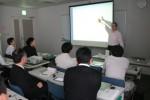 ファイルメーカーの使い方を学ぶ参加者