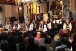 四天王寺本堂で演奏を披露する鼓司