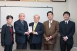 後藤相談役(中央)と岡田会長(左2人目)