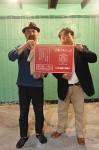 「第1回津マルシェ」をPRする川村さん(右)と奥田さん