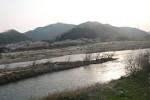 木津川と河川敷のキャンプ場