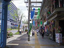 七夕飾りに彩られた丸之内商店街(昨年)