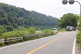 国道163号線沿いの風景