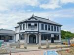 現在、改修工事中の旧明村役場庁舎(芸濃町林)