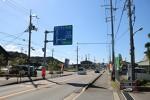 道路標識にも大阪と四条畷の文字(木津川市)