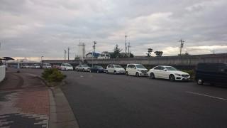 長時間駐車・違法駐車が懸案で、9月から取締りが強化された津なぎさまち付近の臨港道路