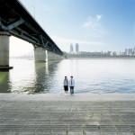 Ⓒ表 現俊「漢江で出会った人達」