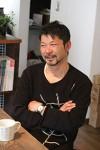 ほっとハウス 長谷川建築 代表 長谷川竜司氏 日本伝統の職人技とヨーロッパの考え方を融合。 「古くなっても価値のある家づくり」をめざし、自然素材をふんだんに取り入れた環境にも人間にも優しいパッシブ系住宅をめざす。