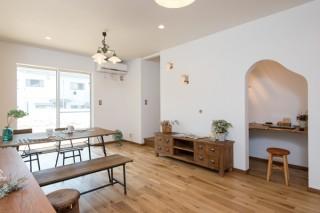 「ほっとハウス」長谷川建築の施工事例 問い合わせは☎059-253-5353