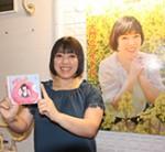 自主制作CD「潮風のロマンス」を発売したまりりんさん