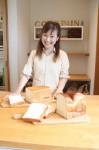 三矢さんと、三重県産小麦を使った2種類の食パン