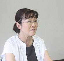 亀田佳子 さん 三重県在住。三男が最重度判定の知的障害があり自閉症。子育てに不安を感じ参加した県外の勉強会で息子とのコミュニケーションには視覚的な支援が有効と知り、2002年地元で勉強会を発足。