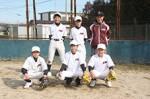 橋南BCの岩田代表(後列右)と選手たち