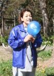 新谷麻衣 さん 津市在住。言語聴覚士、NPО法人アスペ・エルデの会三重支部ピカリンディレクターとして発達障害の子を支援。また、県内で国際的な自閉症啓発活動「ライトイットアップブルーみえ」に取り組んでいる。