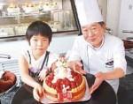 夢のお菓子を手に…坂口華望ちゃんと川村さん